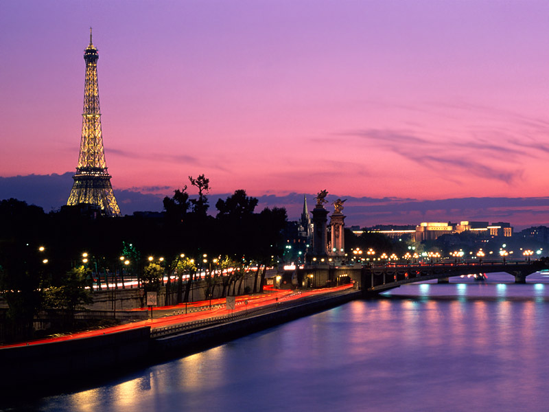 dusk_before_dawn_paris_france_-_800x600.jpg
